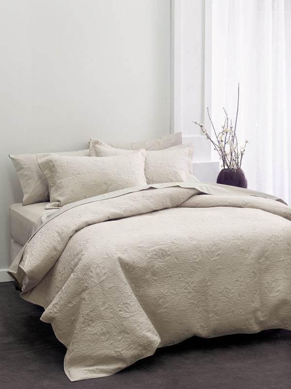 Linen House Chantel Quilt Moonbeam